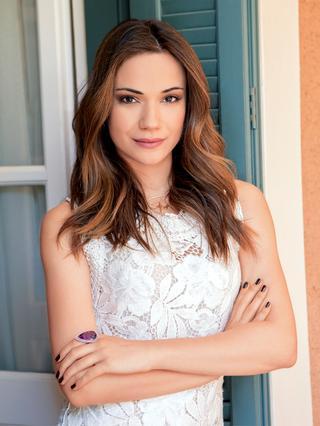 Μπουσδούκου: Είναι κόρη γνωστού ηθοποιού!