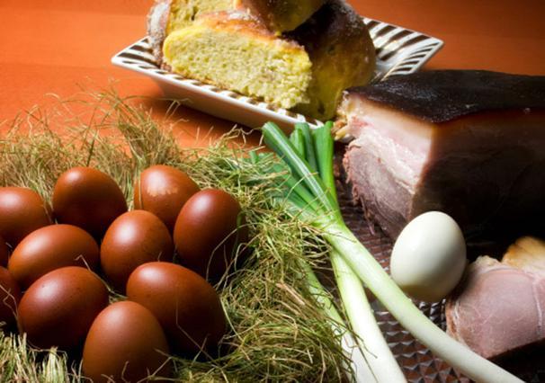 Τι να κάνεις το φαγητό που περρίσεψε απ'το Πάσχα;