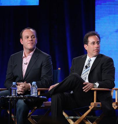 Ο Τομ Πάπα και ο Τζέρι Σάινφελντ,   παρουσιαστής και παραγωγός,  αντίστοιχα της εκπομπής.