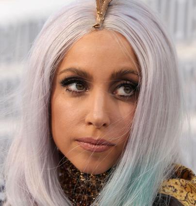 Τον παππού της έχασε η Gaga και ο αγαπημένος της ανέλαβε να την παρηγορήσει