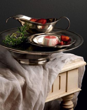 Πανακότα γιαουρτιού με δαμάσκηνα, μέλι και βινσάντο(vinsanto)