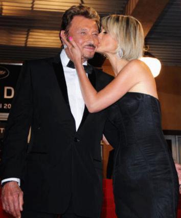 Ο Τζόνυ σε παλαιότερες τρυφερές στιγμές με τη σύζυγό του Λετίσια!