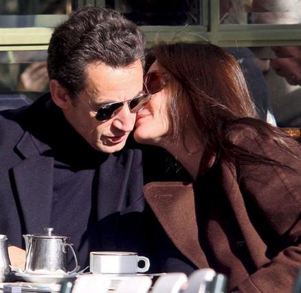 Από την αρχή της σχέσης τους,  ο Νικολά Σαρκοζί και η Κάρλα  Μπρούνι υπήρξαν πάντα  διαχυτικοί μεταξύ τους.