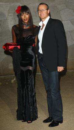 Πληροφορίες θέλουν τη Ναόμι  να ετοιμάζεται να ντυθεί για πρώτη  φορά νυφούλα στο πλευρό του Ρώσου  μεγιστάνα Βλάντισλαβ Ντορόνιν.