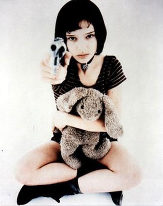 Ο ρόλος της 11χρονης Νάταλι  Πόρτμαν στην ταινία  Λεόν   του 1994, καταγράφηκε ως ένα  από τα πιο εντυπωσιακά ντεμπούτα  όλων των εποχών.