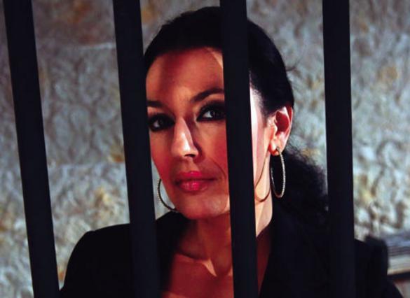 Η Ελένη Φιλίνη μιλάει από τη  φυλακή !