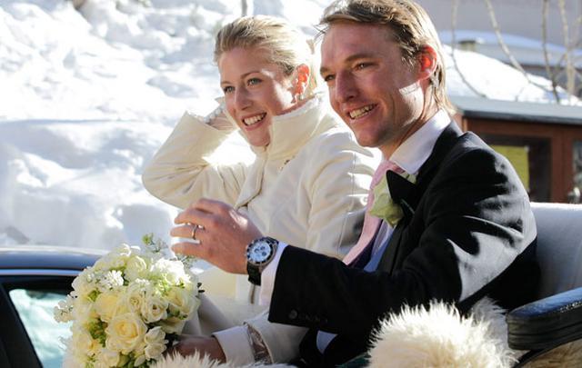 Ο γάμος του Μαρκ Τόμλινσον και Λόρα Βεχτολσέιμερ ήταν ο λόγος για το ταξίδι του πριγκιπικού ζεύγους στις Ελβετικές Άλπεις.