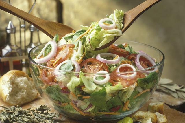 Μάθε το μυστικό για ντρέσινγκ σαλάτας όλο γεύση