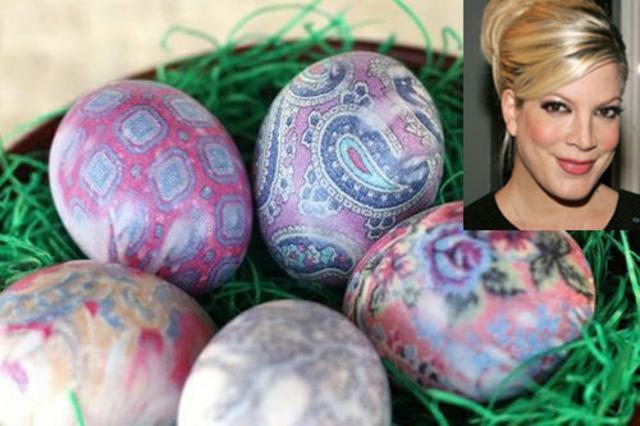 Βάψε τα αυγά σου όπως η Τόρι Σπέλινγκ