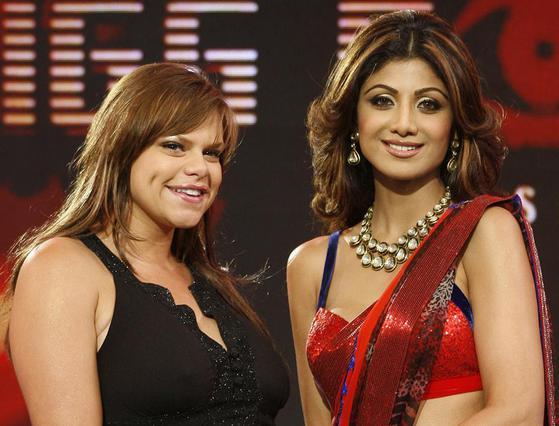 Η Γκούντι με την ηθοποιό Σίλπα Σετί, στο ινδικό  Big Brother   τον Αύγουστο του 2008, λίγο πριν διαγνωσθεί με την ασθένεια.