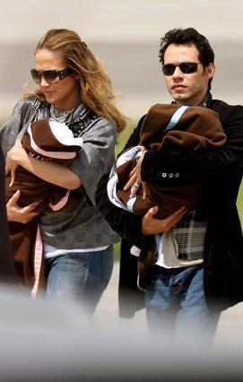 Τα δίδυμα Έμ και Μαξ, που ήρθαν  τον Φεβρουάριο του 2008 συμπλήρωσαν  με τον καλύτερο τρόπο την ευτυχία  του ζευγαριού.