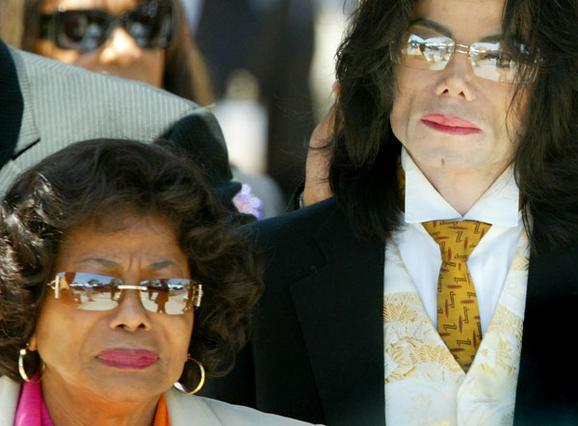 Καινούριο μέτωπο ανοίγει η μητέρα του Μάικλ Τζάκσον