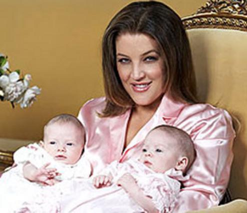 Δίδυμη ροζ ευτυχία για την κόρη του Πρίσλεϊ!