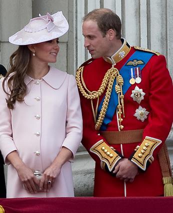 Ο πρίγκιπας Γουίλιαμ έφτασε στο νοσοκομείο μαζί με τη σύζυγό του, Κέιτ.