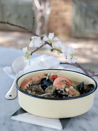 Μαγειρίτσα με φρέσκα θαλασσινά (νηστίσιμη)