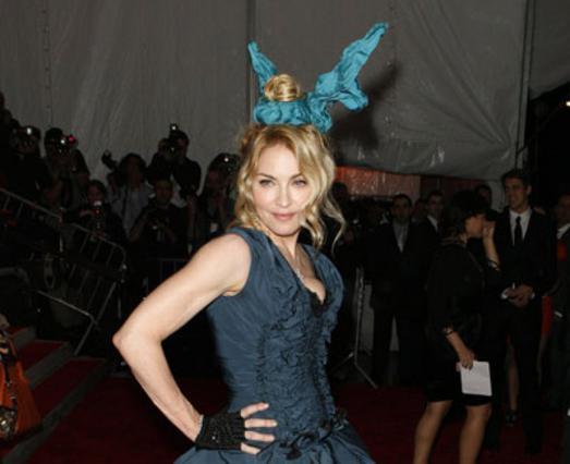 Η Μαντόνα στα εγκαίνια της ετήσιας έκθεσης μόδας του Μητροπολιτικού Μουσείου της Νέας Υόρκης.