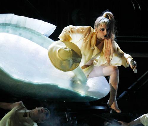 Πάλι έκανε το θαύμα της η Lady Gaga