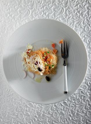 Μιλφέιγ με φέτα και χωριάτικη σαλάτα