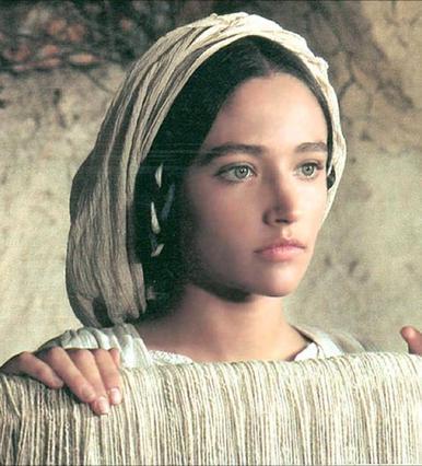 Αποκάλυψη: Ηθοποιός και κούκλα η κόρη της  Παναγίας  Ολίβια Χάσεϊ (φωτό)