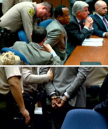 Εντελώς ανέκφραστος άκουσε την ετυμηγορία ο δρ. Κόνραντ Μιούρεϊ. Φόρεσε τις χειροπέδες με τον ίδιο τρόπο και οδηγήθηκε στο κρατητήριο.