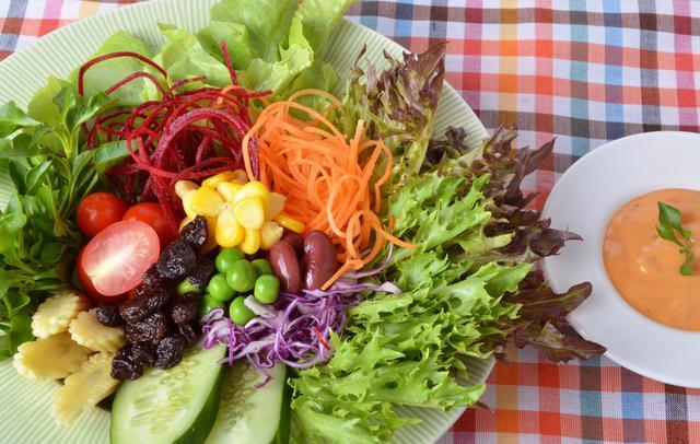 Οι καλύτερες σαλάτες για κατσίκι & αρνί