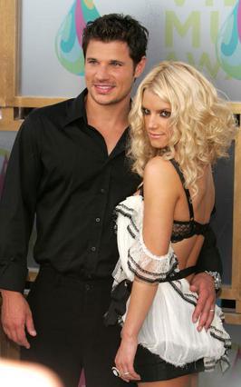 Με τον άντρα της Νικ Λάτσεϊ πρωταγωνιστούσαν μαζί σε  τηλεοπτικό ριάλιτι με θέμα  τη ζωή τους.