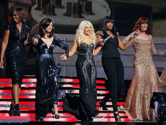 Η Κριστίνα Αγκιλέρα τραγούδησε  προς τιμή της Αρίθα Φράνκλιν  μαζί με τις Τζένιφερ Χάντσον,  Μάρθα ΜακΜπράιντ, Φρόρενς Γουέλς και Γιολάντα Άνταμς.