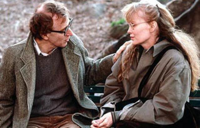 Από το 1980 μέχρι το 1992 που έζησαν μαζί, η Μία Φάροου έπαιξε σε 13 ταινίες του Γούντι Άλεν.