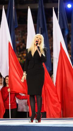 Δεν ήταν η πρώτη φορά που  τραγουδούσε τον εθνικό ύμνο  η Κριστίνα Αγκιλέρα αλλά  σίγουρα ήταν η πρώτη φορά που τα έκανε... μαντάρα!