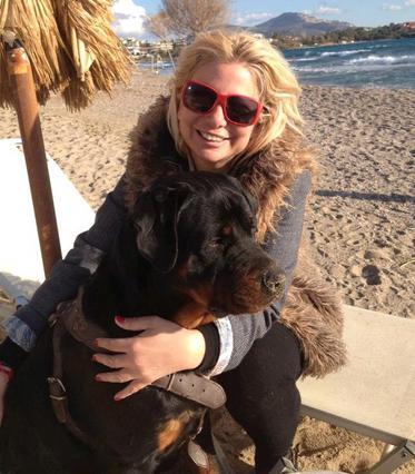 Σοκ για τη Στέλλα Μπεζαντάκου: γιατί έκανε 70 ράμματα