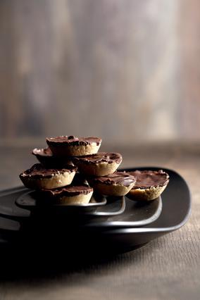 Σοκολατένιες  κούπες  με φυστικοβούτυρο