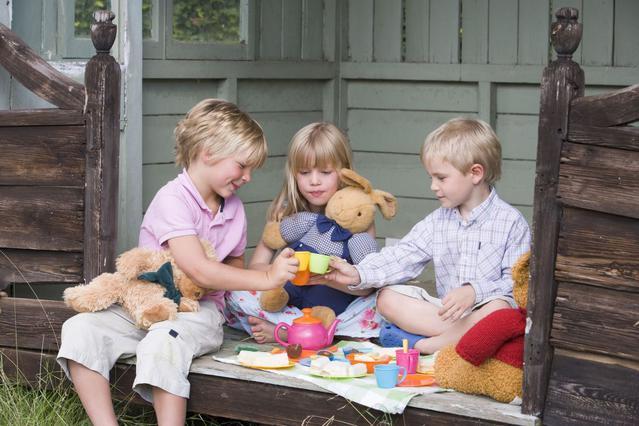 Τα αγόρια δεν παίζουν με κούκλες!