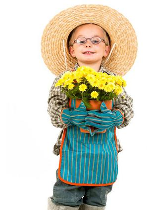 Μικροί κηπουροί με πινέλα στην Τεχνόπολη