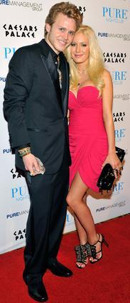 Ο άντρας της Χάιντι, Σπένσερ Πρατ,  στηρίζει τη γυναίκα του σε κάθε βήμα.