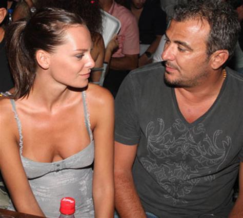 Ρέμος - Μπόσνιακ: Ρουφηχτά φιλιά στη γωνία! (φωτό)