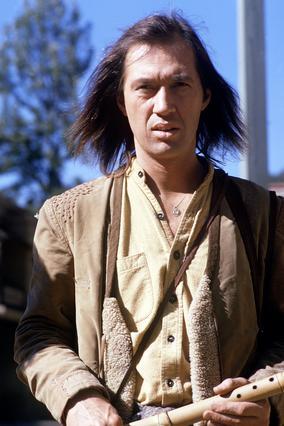 Ο Κάρανταϊν στο ρόλο του σάολινγκ μοναχού, που τον έκανε διάσημο.