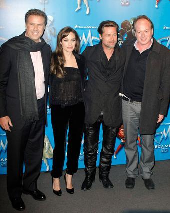 Οι Μπραντζελίνα με τον Γουίλ Φερέλ  και τον σκηνοθέτη Τομ ΜακΓκραθ  δεξιά)στην πρεμιέρα της ταινίας  κινουμένων σχεδίων  Megamind  όπου  ο Μπραντ -προσοχή στο δερμάτινο  παντελονάκι- δανίζει τη φωνή τ