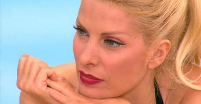 Δες την 44χρονη πια Ελένη χωρίς ίχνος μακιγιάζ