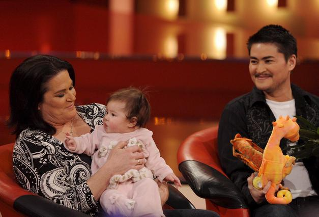 Ο Τόμας Μπίτι με την γυναίκα του και την κόρη τους πέρυσι τον Δεκέμβριο, σε εμφάνιση τους στη γερμανική τηλεόραση.