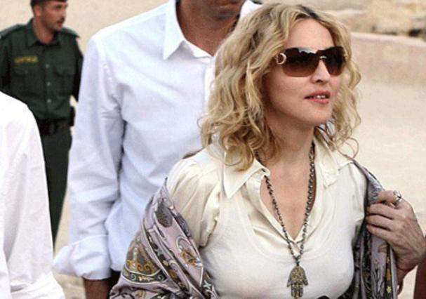 Η  ξενάγηση της Μαντόνα στην Ιορδανία