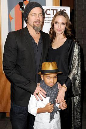 Το ζευγάρι με τον μεγαλύτερο γιο τους, Μάντοξ σε εκδήλωση τον Δεκέμβριο.