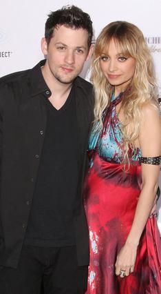 Η -τότε ξανθιά και έγκυος- Νικόλ με τον Τζόελ σχεδιάζουν  να παντρευτούν το καλοκαίρι.