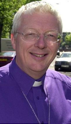 Ο επίσκοπος Πιτ Μπρόντμπεντ στόλισε ωραιότατα όλη τη βασιλική οικογένεια -και μάλιστα μέσω Facebook- και φυσικά πήρε άδεια... αορίστου χρόνου!