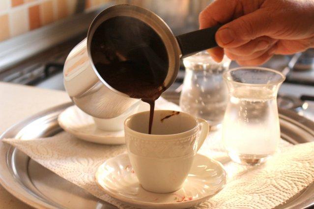 Το μοναδικό ταξίδι του καφέ με μια ιστορική αντίκα