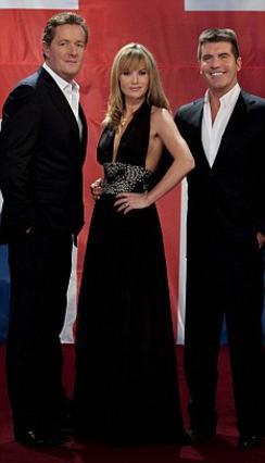 Οι παρουσιαστές του  Βρετανία Έχεις Ταλέντο , Πιρς Μόργκαν (αριστερά), Αμάντα Χόλντεν και Σάιμον Κάουελ.