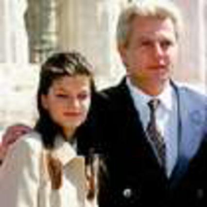 Ο γάμος της Αθηνάς και το μυστήριο με τον Ρουσσέλ!