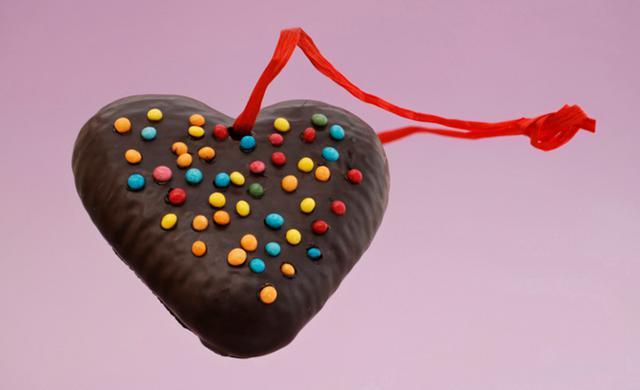 Σοκολατένια στολίδια: Πώς θα τα φτιάξεις