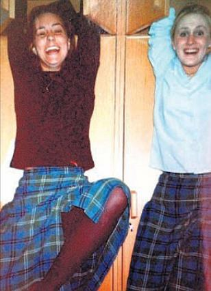 Η Κέιτ μαζί με τη σχολική της φίλη Τζέσικα Χέι, η οποία έδωσε πρόσφατα τις περισσότερες πληροφορίες για τη διάσημη πρώην συμμαθήτριά της.