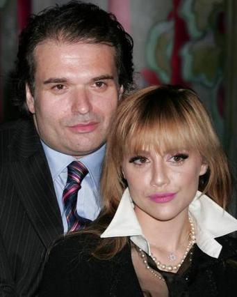 Η Μέρφι με τον επί δύο χρόνια  σύζυγό της Σίμον Μόντζακ.