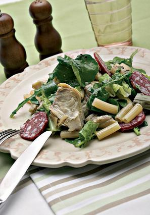 Σαλάτα ζυμαρικών με αγκινάρα
